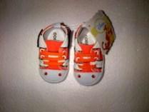 LM08 Sepatu Disney nemo
